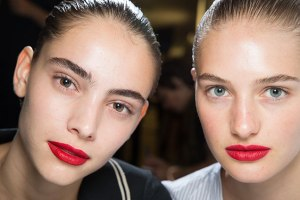 red-lips-bare-face